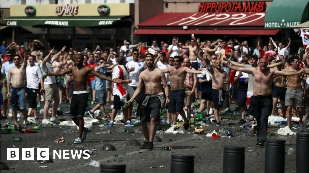 Euro 2016: French government calls for alcohol ban in match