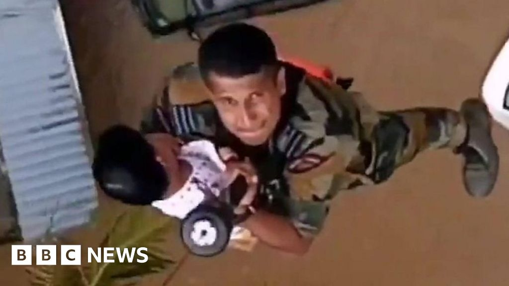 Children winched to safety in Kerala thumbnail