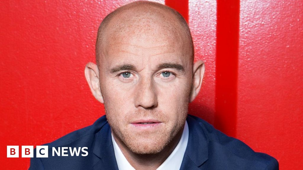 Nicky Butt: Assault charge dropped against ex-Man Utd player - bbc