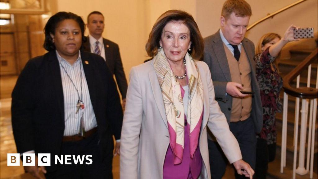 Pelosi loses Senate Democrats on impeachment delay thumbnail