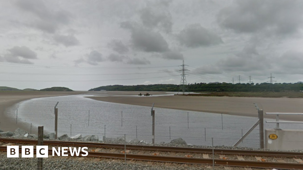 Tunnel plan to remove pylons from beauty spot