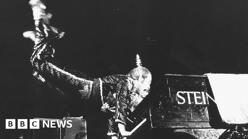 Elton John:  It s vital that music venues stay open