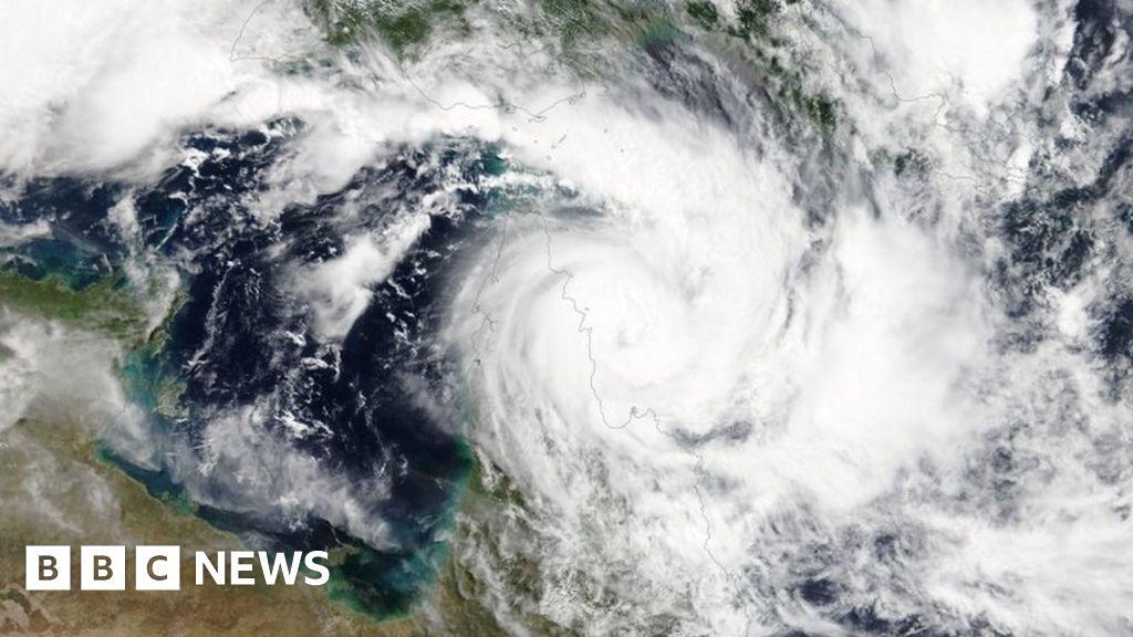 australians-evacuate-homes-as-cyclones-trevor-and-veronica-approach
