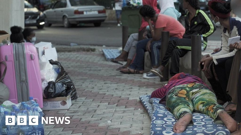 Ethiopian maids dumped outside Beirut embassy - BBC News