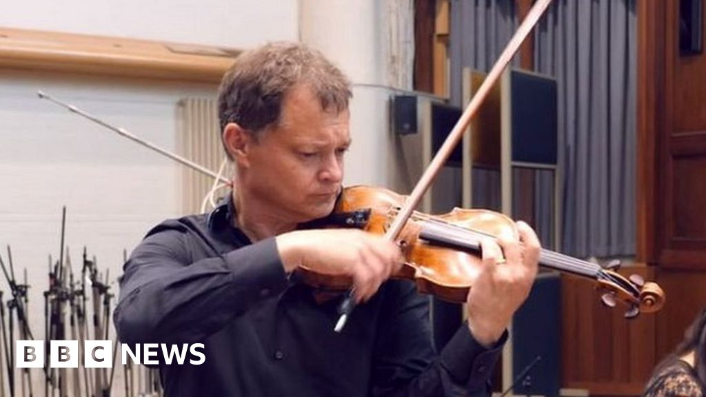 Tecchler 310-year-old violin left on train in London