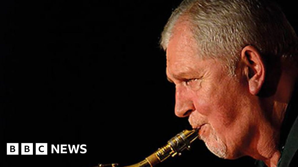 Tributes to Average White Band sax player Malcolm 'Molly' Duncan