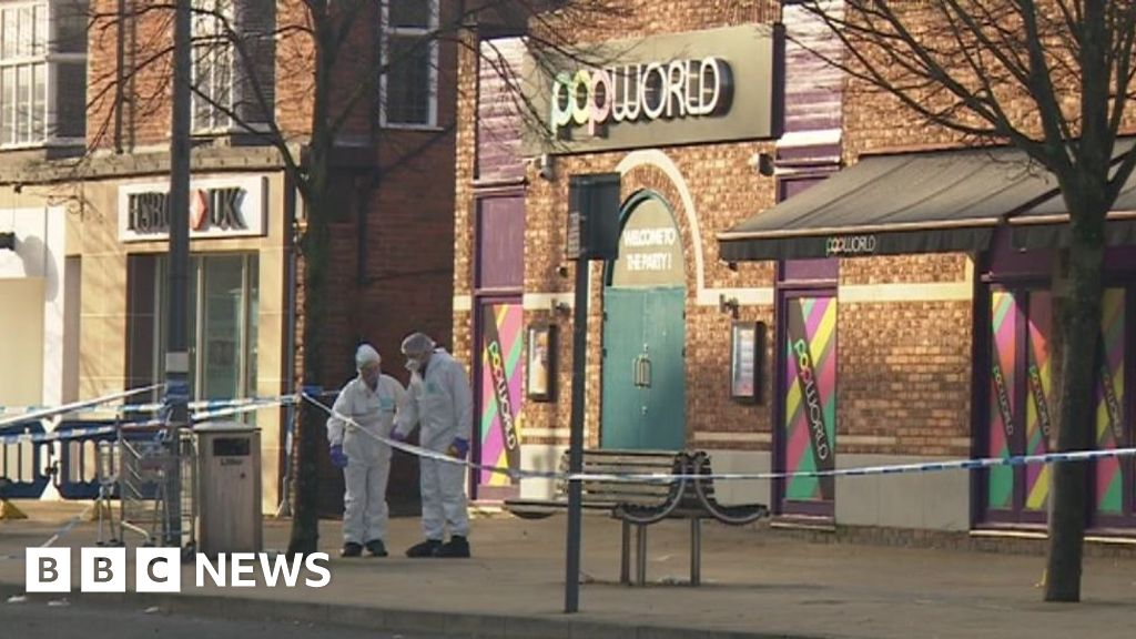 Solihull stabbing: Man died after knifing in town centre thumbnail