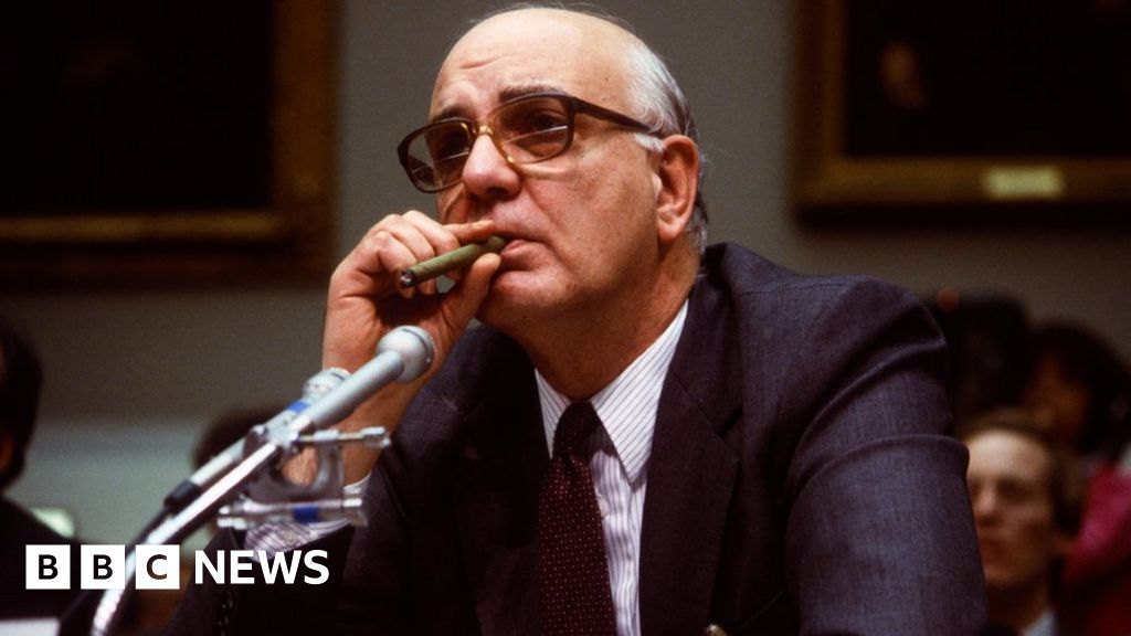 Paul Volcker: Former US Federal Reserve chief dies aged 92