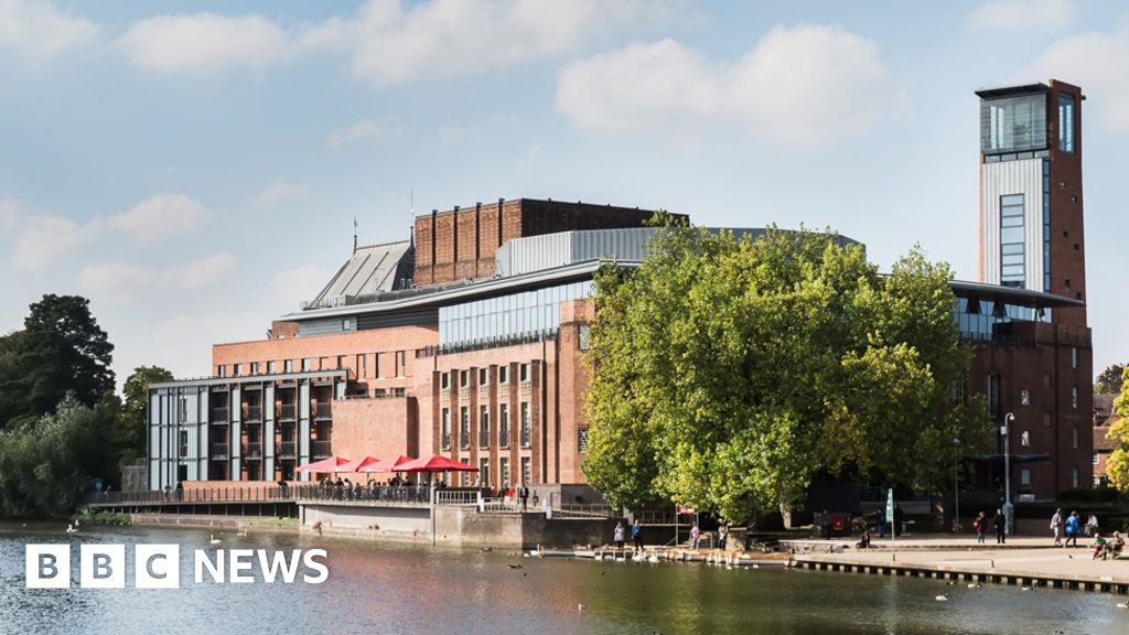 """""""Royal Shakespeare Company"""" ends BP s partnership in the aftermath of a student protest"""