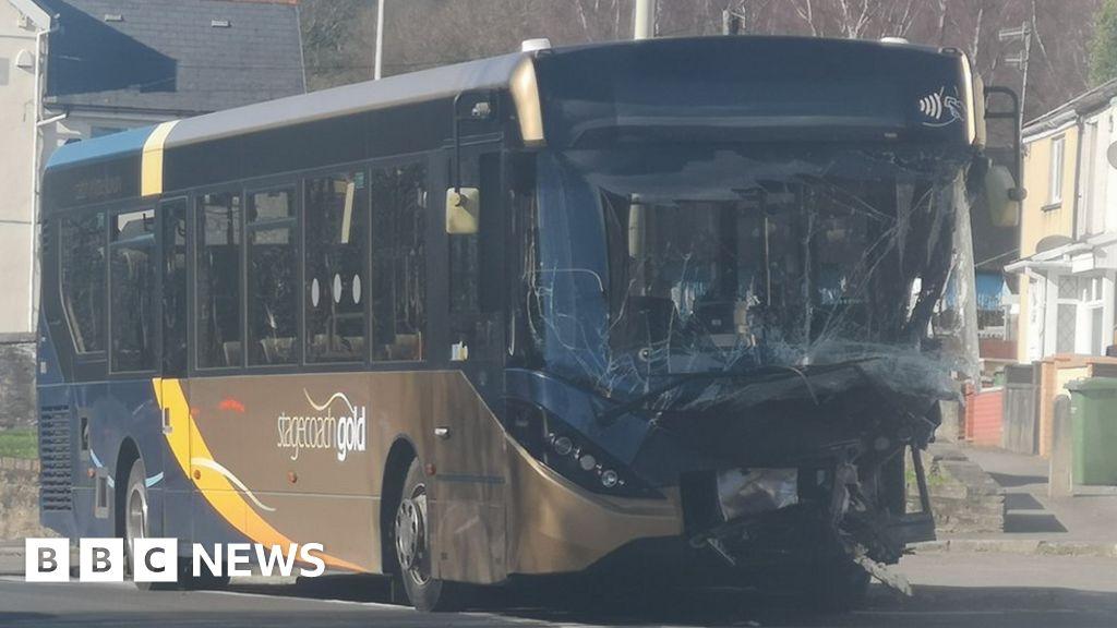 117324678 bus