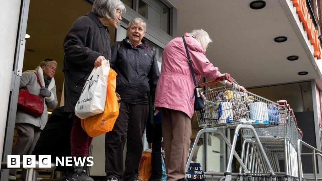 Shielded people 'distressed' over shopping delay