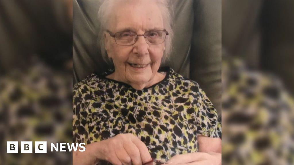 Coronavirus: Warrington lady, 102, makes 'miraculous' restoration thumbnail