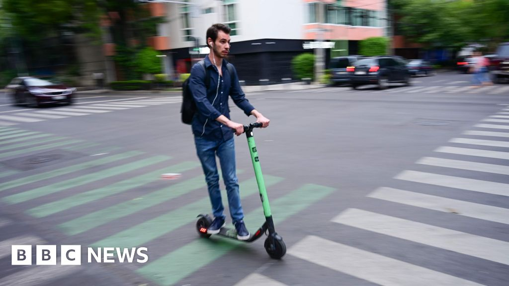 Copenhagen cracks down on drunk scooter driving thumbnail