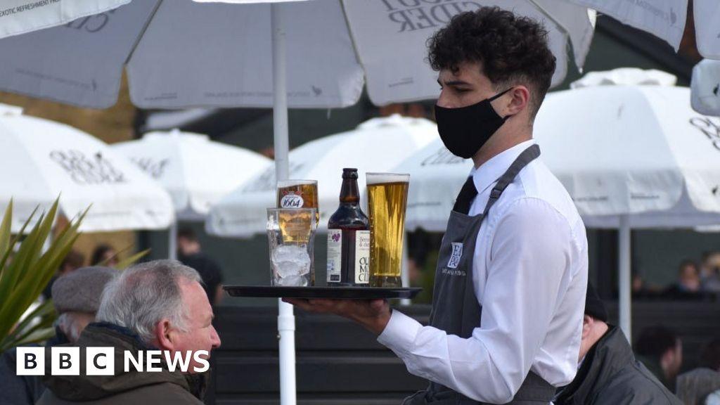 UK job vacancies climb past pre-pandemic levels