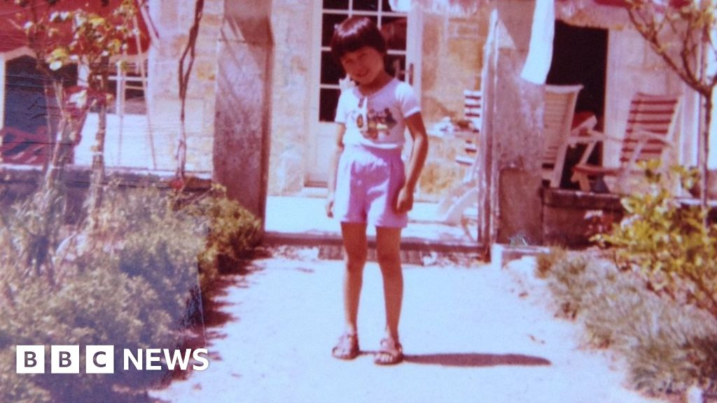 Olivier Duhamel: French incest allegations prompt victims to speak out - bbc