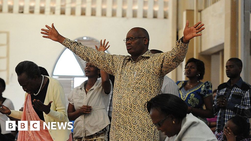 Rwanda closes '700 unsafe, noisy churches'