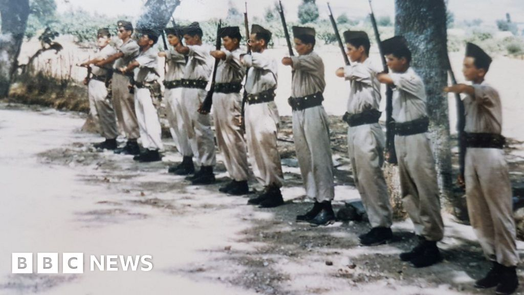 How Algerians who fought for France faced persecution thumbnail