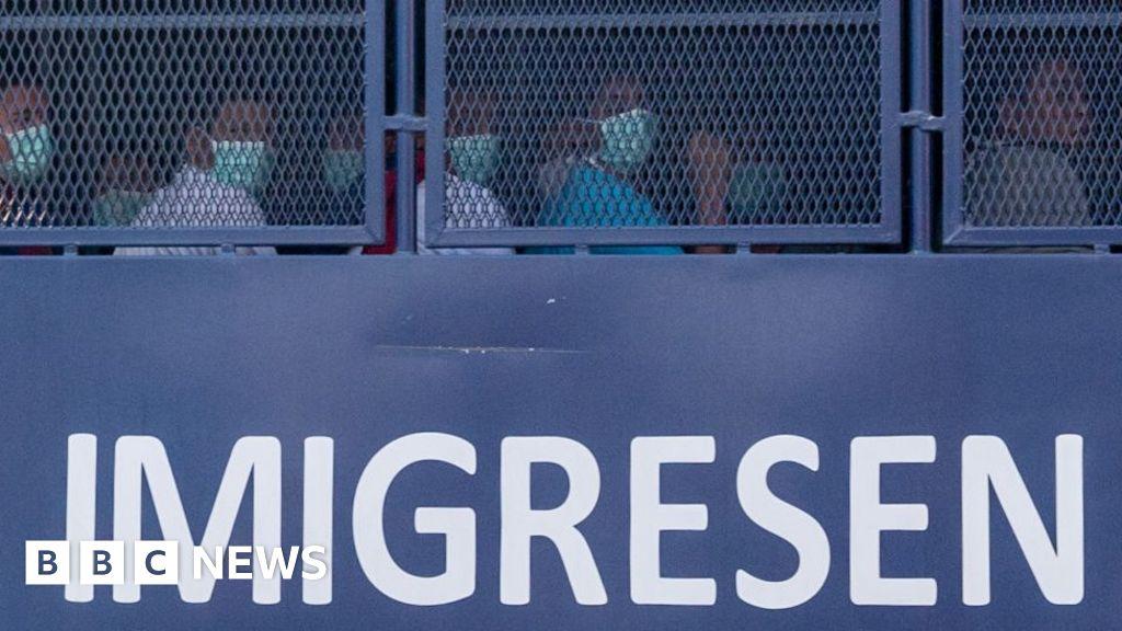 Malaysia deports Myanmar nationals despite court order