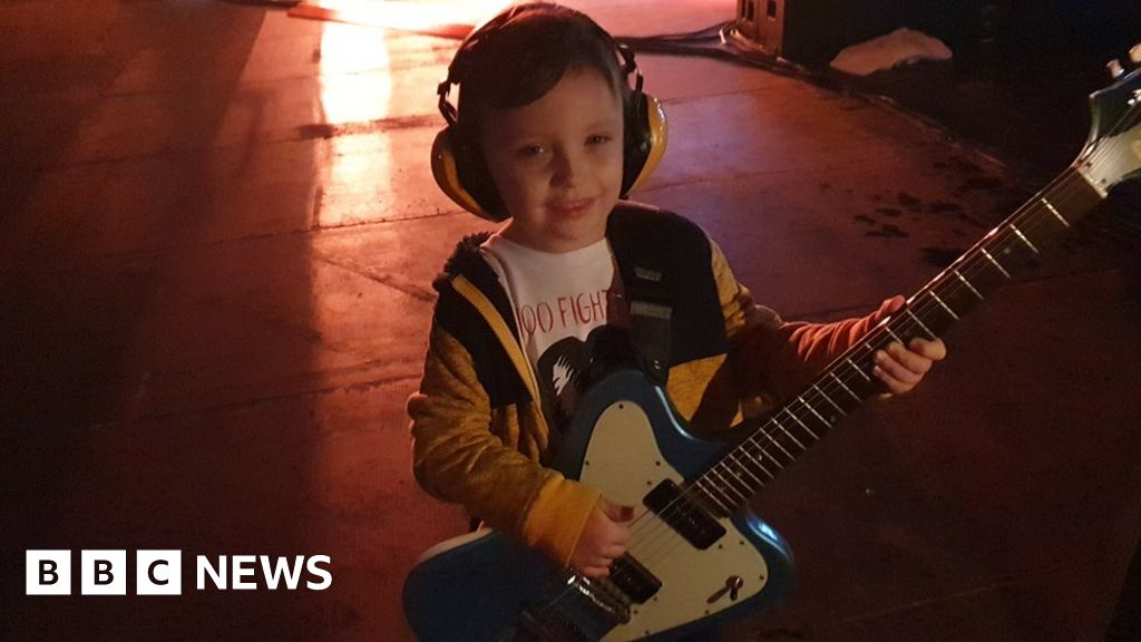 Foo Fighters  youngest fan steals the show