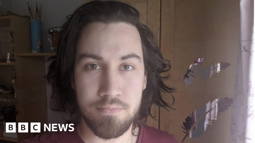 Coronavirus: 'Self-isolating will cost me £600'