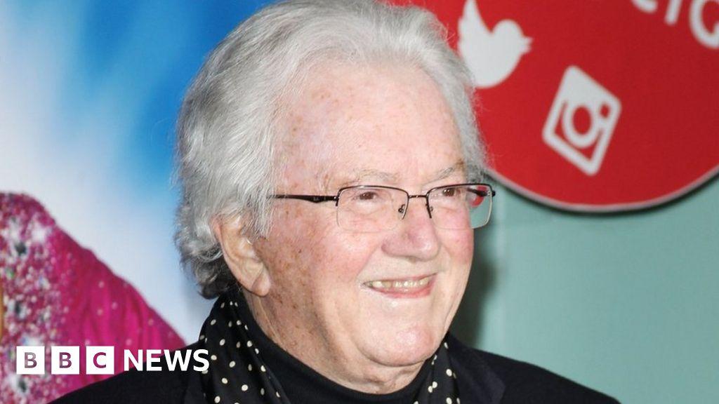 Willy Wonka songwriter Leslie Bricusse dies aged 90