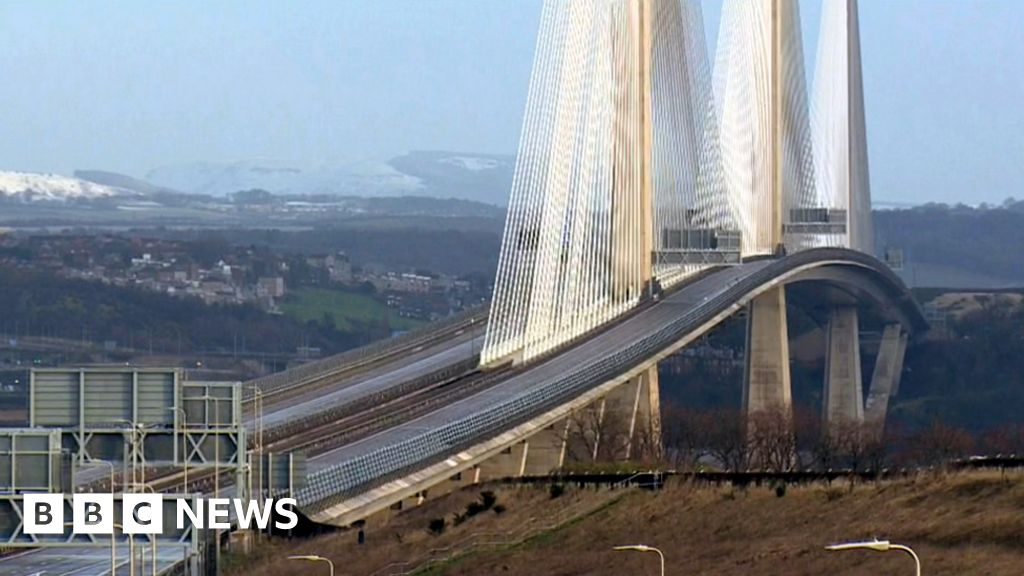 Falling ice causes the first Queensferry Crossing closure