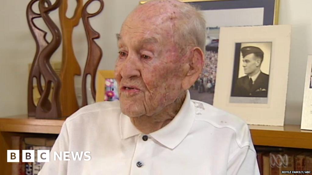 Australian Great Escape Survivor Dies Aged 101 Bbc News