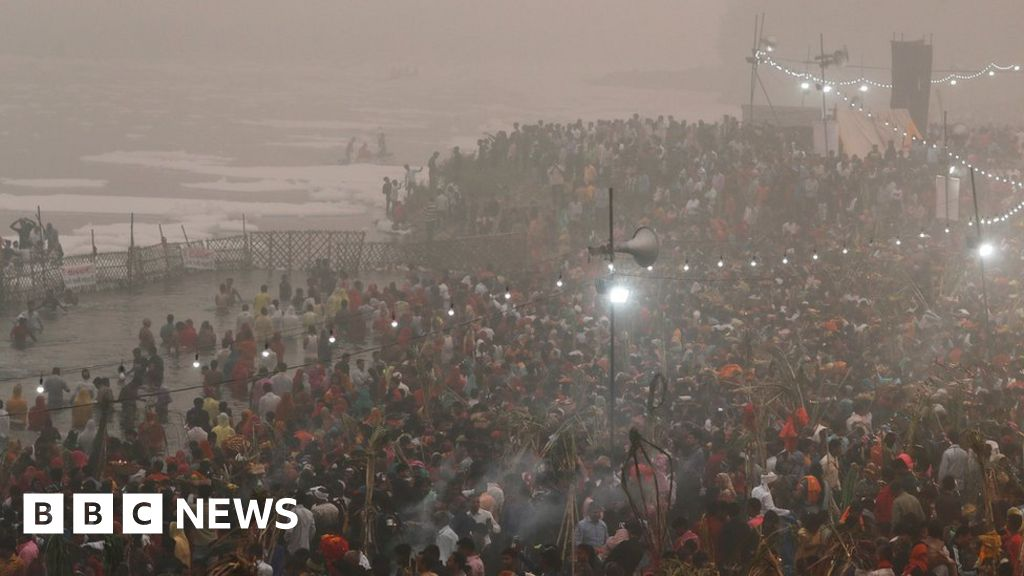 India air pollution at 'unbearable levels', Delhi minister says