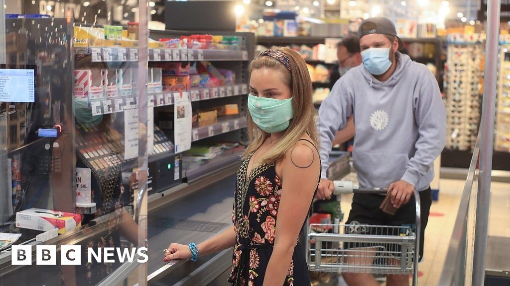 Coronavirus: Scottish government recommends covering face in shops thumbnail