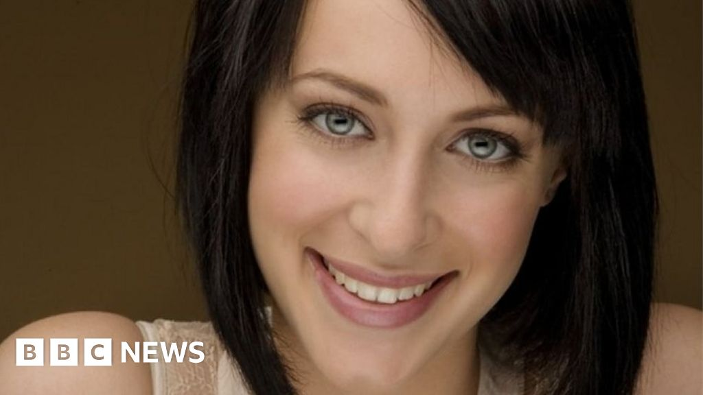 Home and Away actress 'has life support turned off'