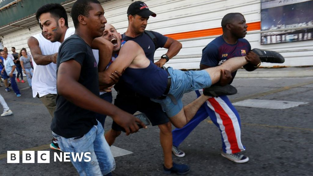 LGBT activists arrested at Cuba march