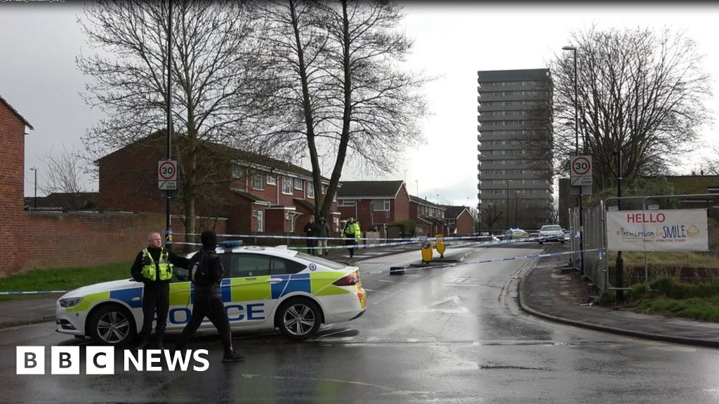 Coventry 'drive-by shooting': Two held as man, 19, killed thumbnail