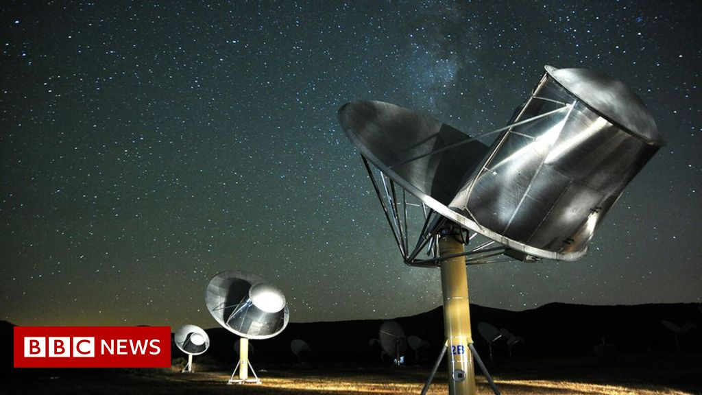 Astronomers want public funds for intelligent life search - BBC News