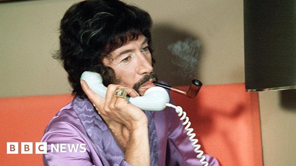 Peter Wyngarde: Cult TV star who inspired Austin Powers dies