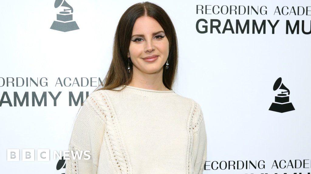 Lana Del Rey I M Not Glamorising Abuse Bbc News