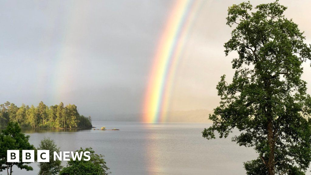 u0026 39 incredibly rare rainbow u0026 39  photographed in highlands