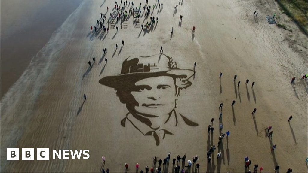 Beach Images Across The Uk Honour World War One Soldiers Bbc News