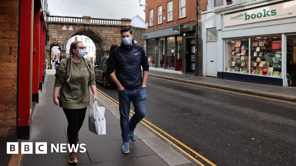 Coronavirus: Tension at Stormont over NI Covid-19 restrictions