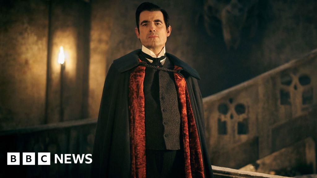 Dracula: Critics applaud 'energetic and fun' revival of vampire classic - BBC News
