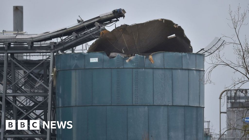 Avonmouth explosion: Four dead in Bristol water works blast