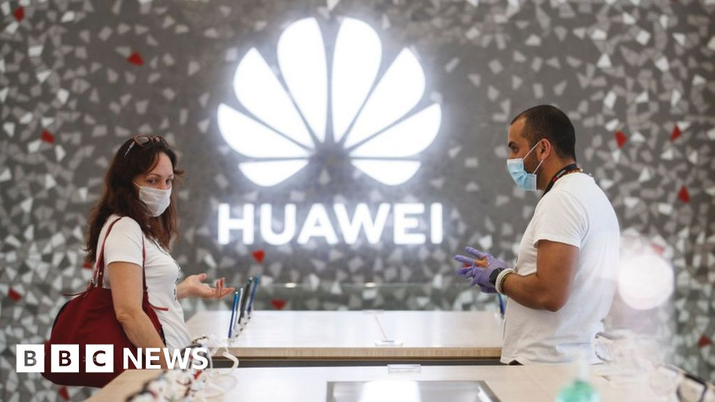 US claims Huawei 'backed by Chinese military' thumbnail