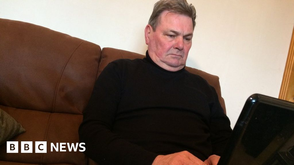 Flintshire man 'angry' after £15k stolen in scam