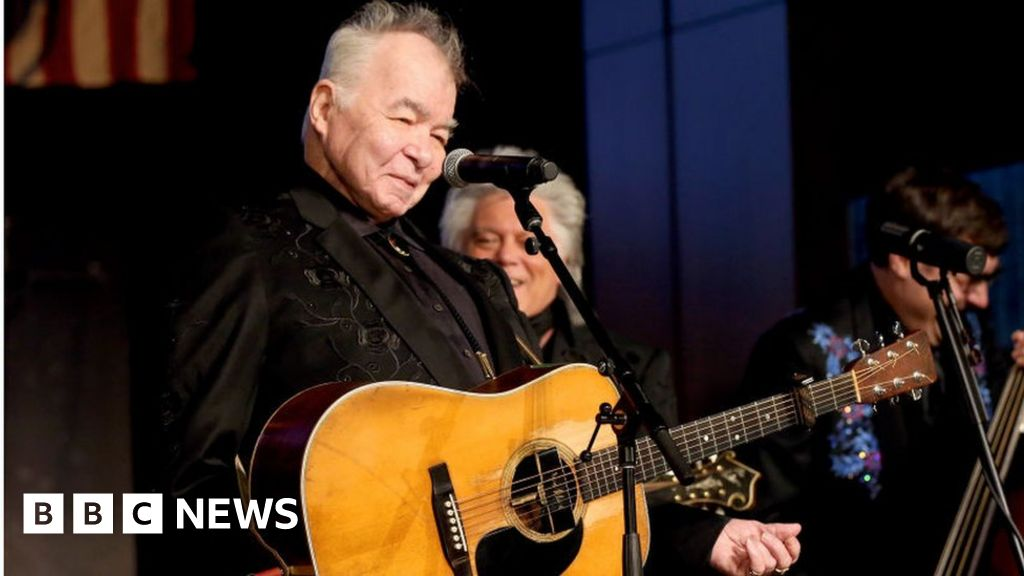 Photo of Bruce Springsteen leads tributes to John Prine | BBC News