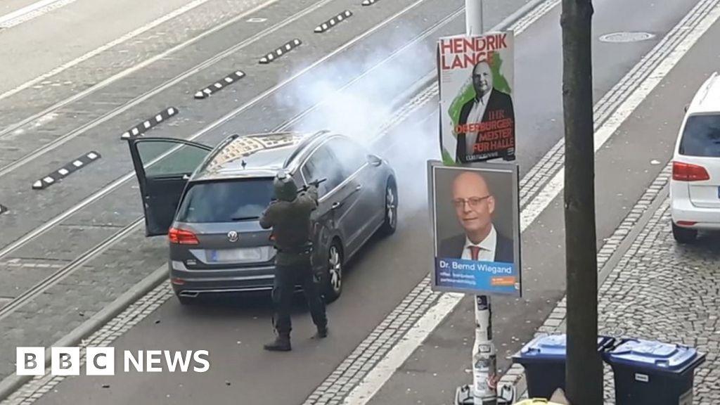 German synagogue attack 'was far-right terror'