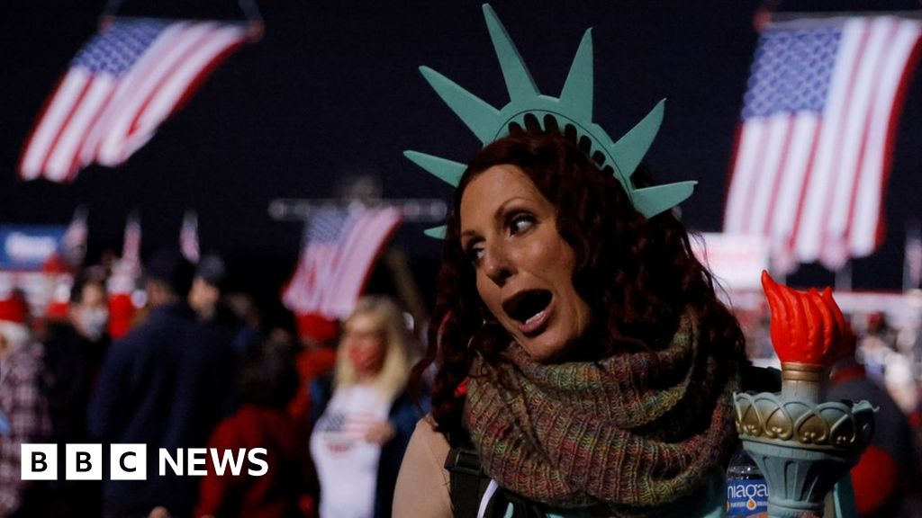 Georgia Senate: Biden and Trump rally voters on eve of poll