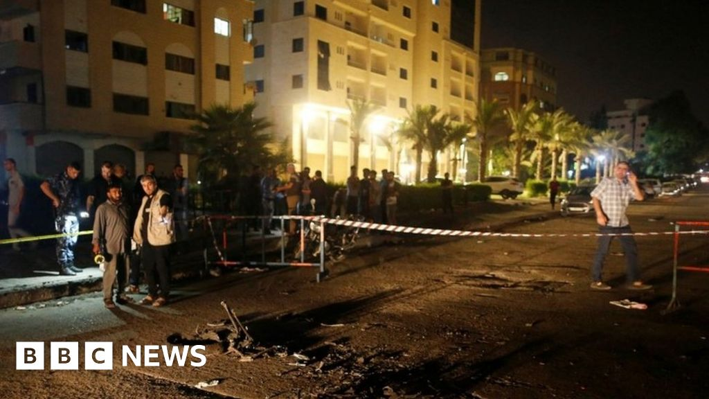 'Suicide bombers' kill police officers in Gaza