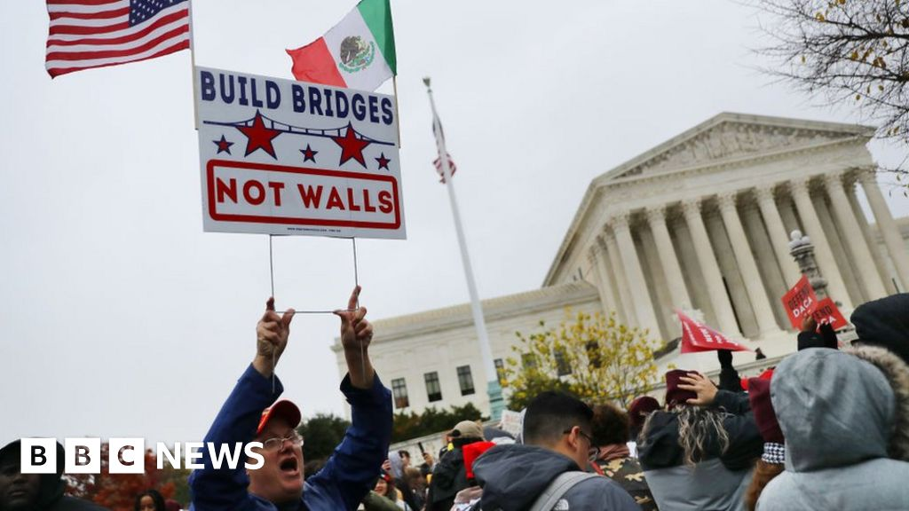 Top court seems to back Trump on immigration case