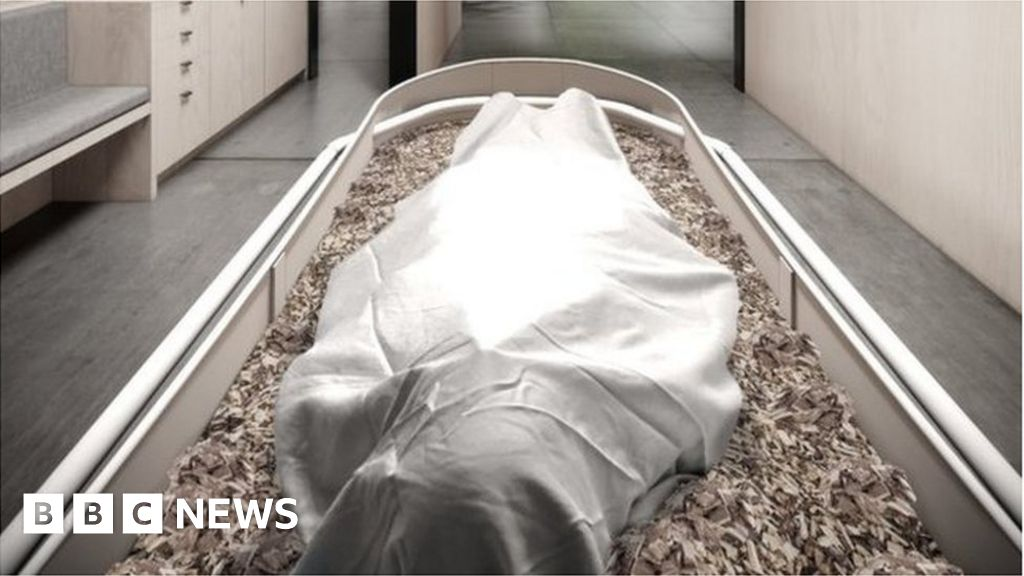 Human compost funerals 'better for environment'