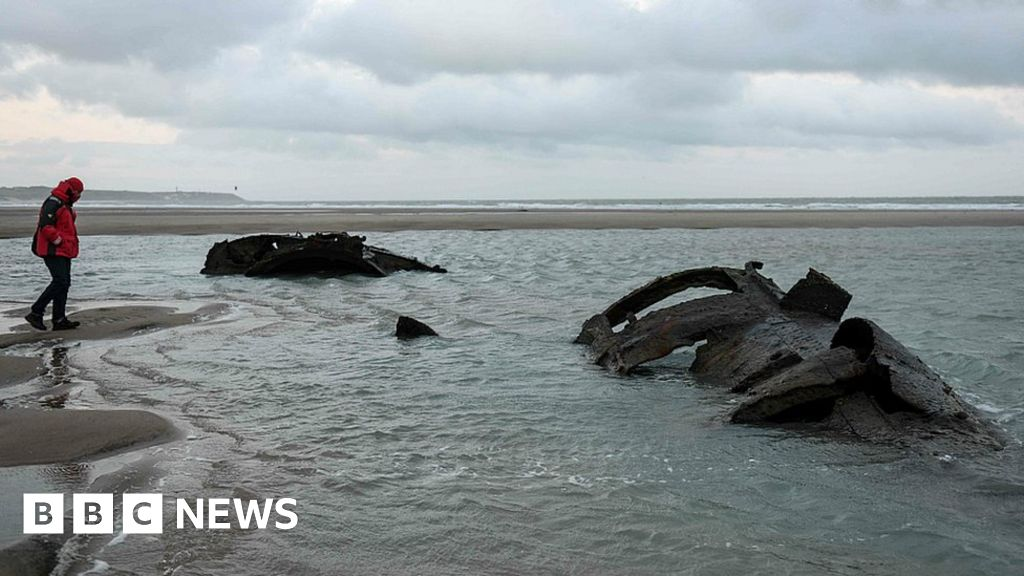 German WW1 U-boat emerges off French coast