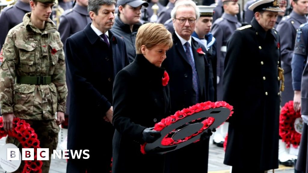First minister leads Remembrance events in Scotland